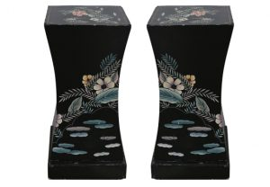 Chinoiserie Pillar