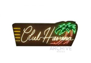 Neon 'Club Havana' Sign
